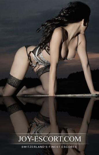 bianca deluxe escort model